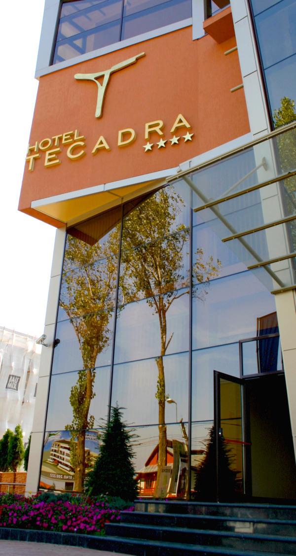 cazare la Hotel Tecadra