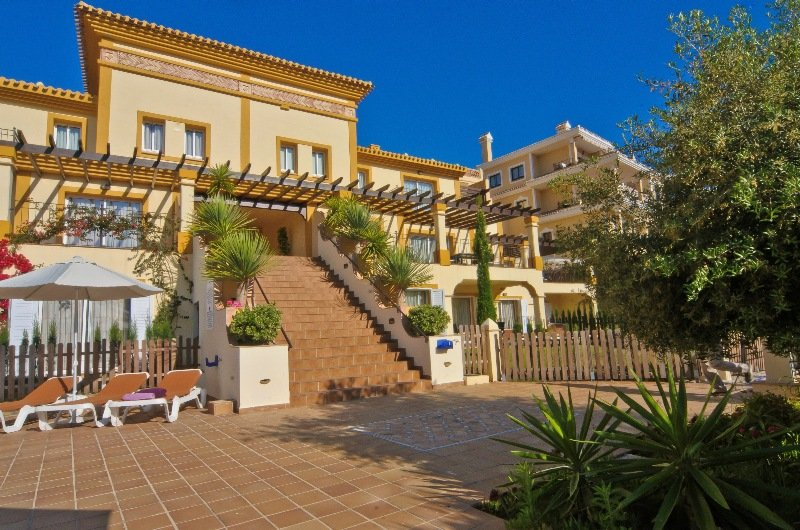 cazare la Montemares Golf Luxury Apartments