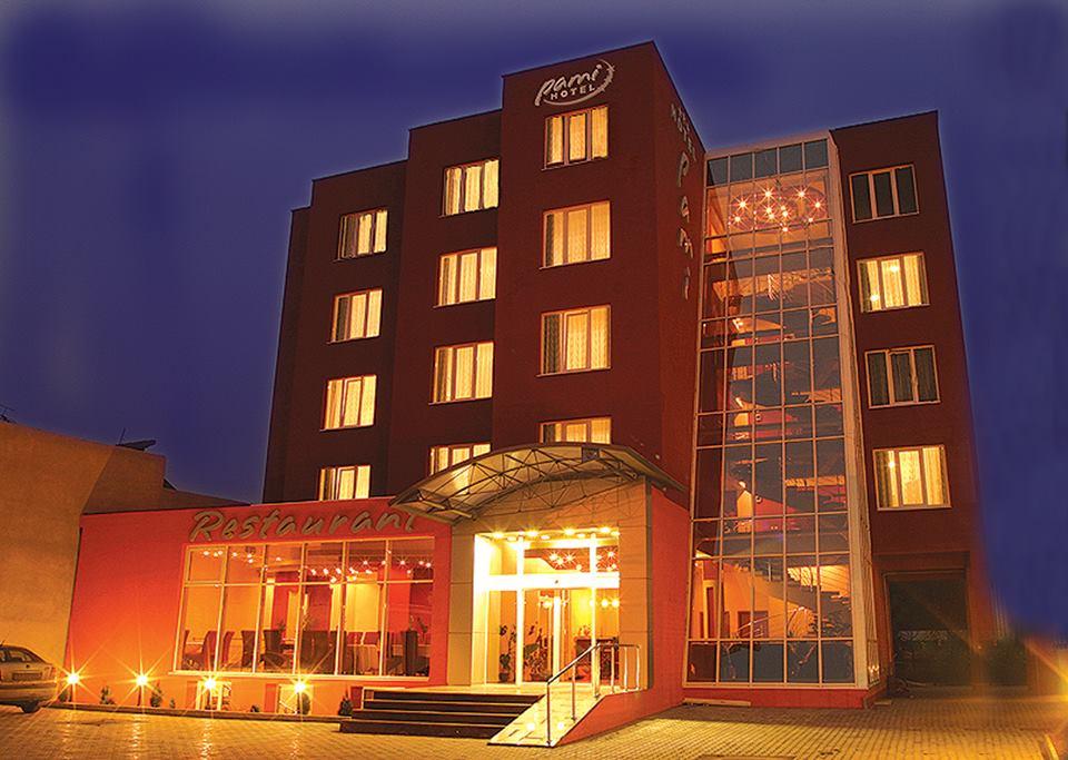 cazare la Hotel Pami