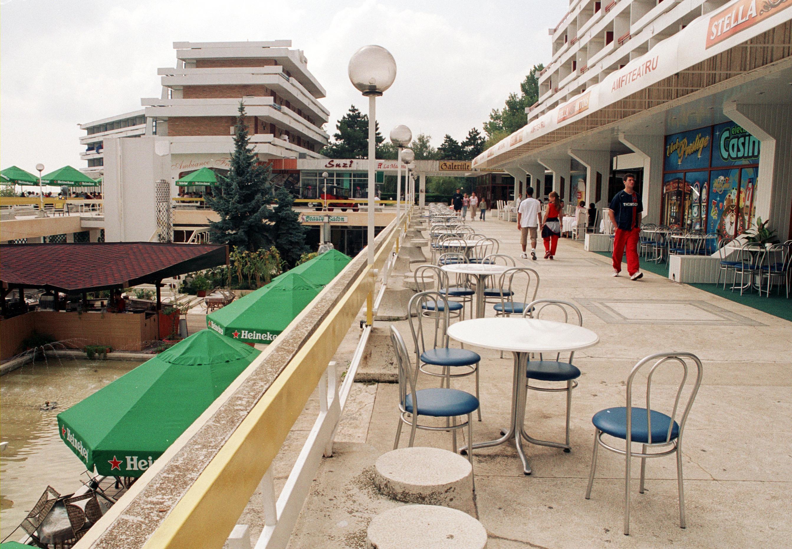 cazare la Hotel Amfiteatru