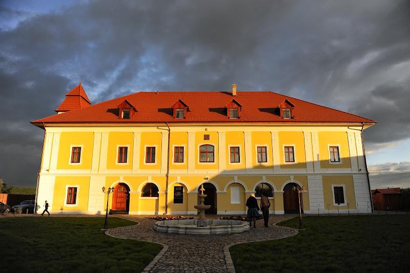 cazare la Castel Haller