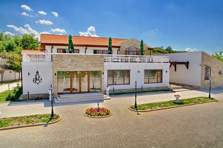 cazare la Complex Turistic Steaua Apelor