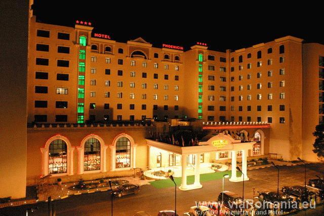 cazare la Phoenicia Grand Hotel