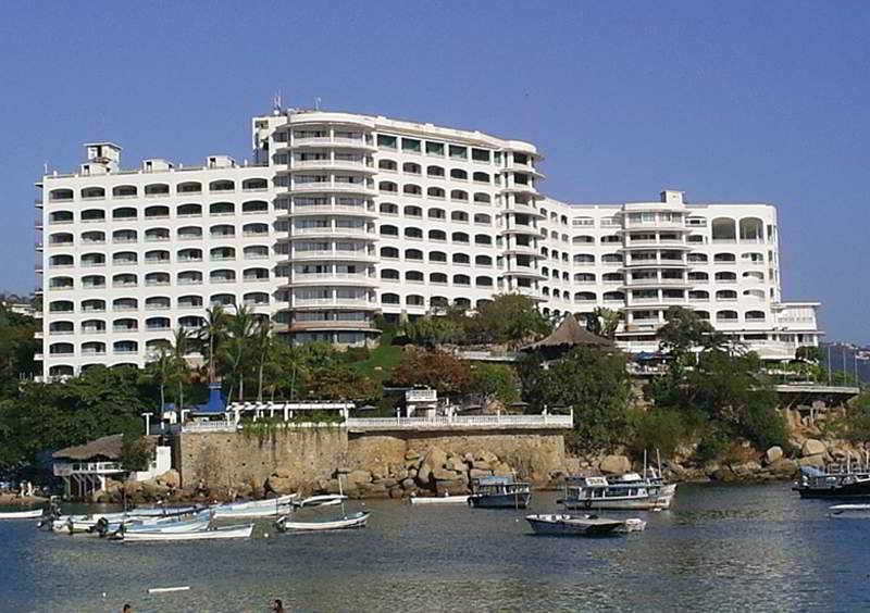 cazare la Caleta Beach Resort