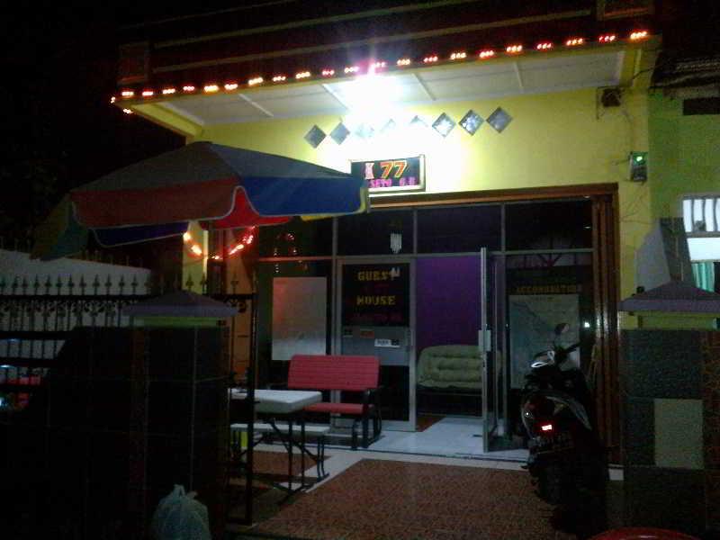 cazare la K77 Guest House Medan