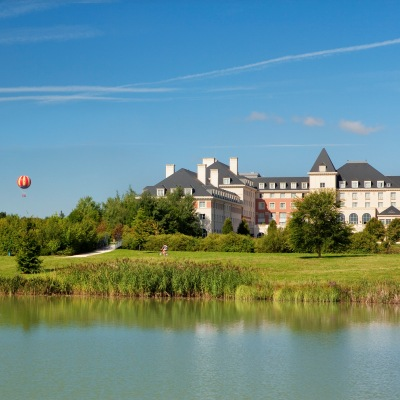 cazare la Dream Castle Hotel At Disneyland Paris (43 Km From Paris)
