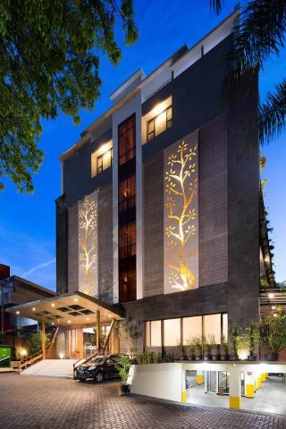 cazare la Hemangini Hotel