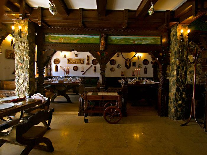 cazare la Hotel Castel Printul Vanator