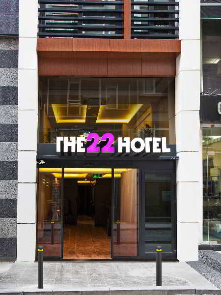 cazare la The 22 Hotel