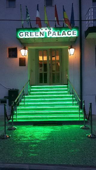 cazare la Green Palace