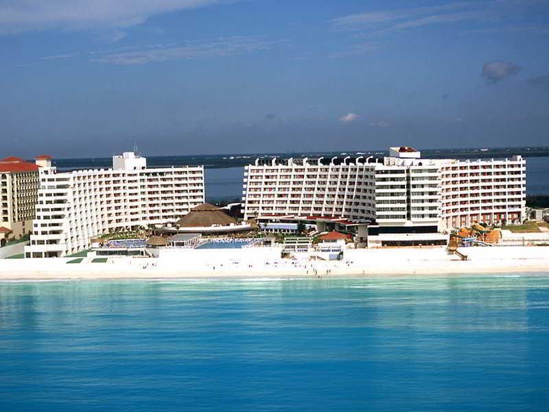 cazare la Crown Paradise Club Cancun