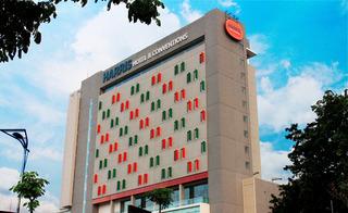 cazare la Harris Hotel & Convention Gubeng Surabaya