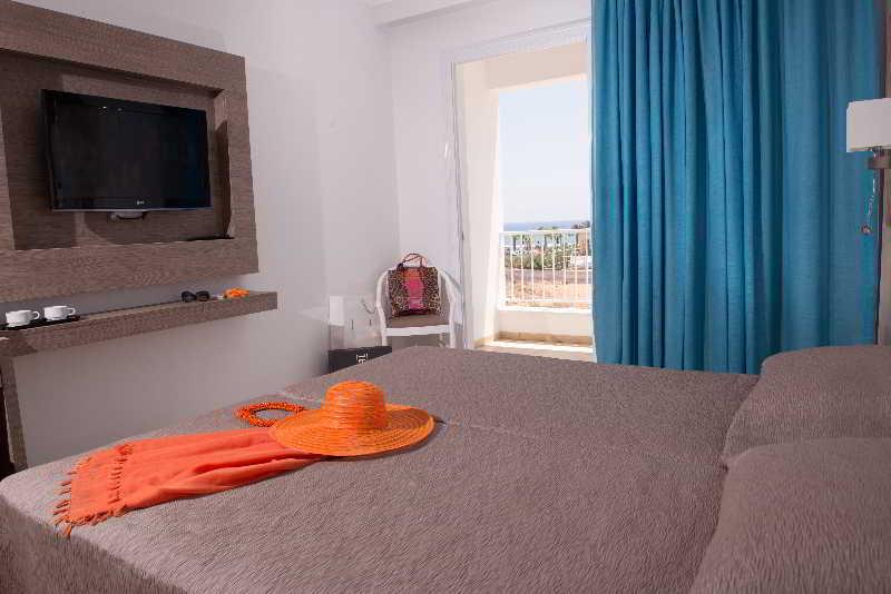 cazare la New Famagusta Hotel