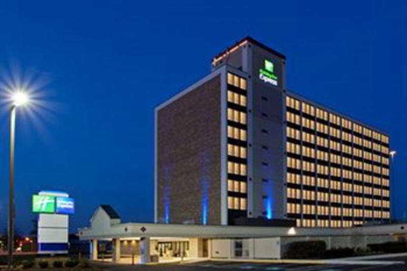 cazare la Holiday Inn Express Washington Dc Sw  - Springlfield