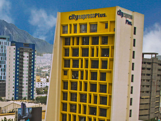 cazare la City Express Plus Monterrey Galerias