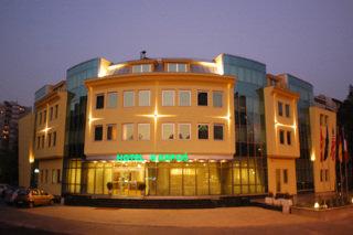 cazare la Karpos Hotel