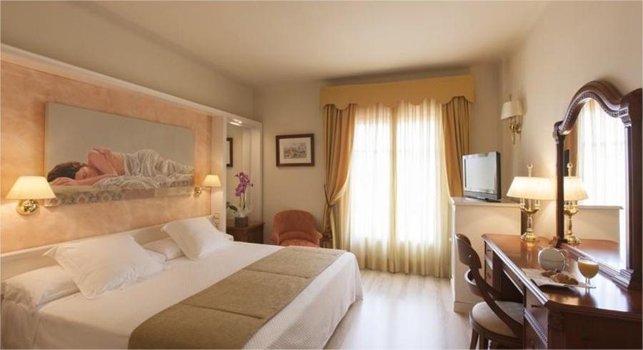cazare la Pirineos Hotel