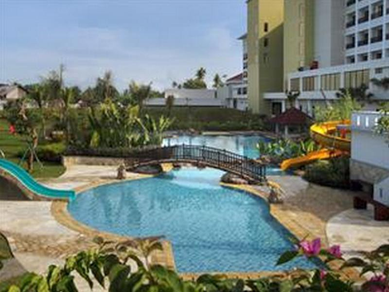 cazare la Sutan Raja Resort And Convention Center