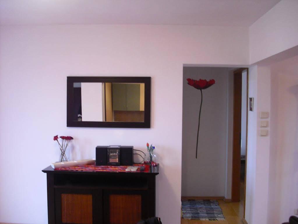 cazare la Best Suites Apartment Accommodation