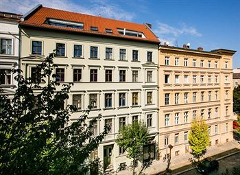 cazare la Apartment Christinenstraße