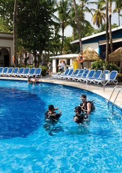 cazare la Hotel Riu Bambu