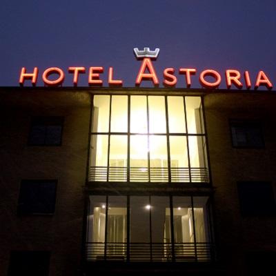 cazare la Astoria