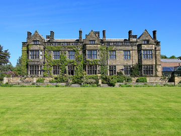 cazare la Macdonald Gisborough Hall