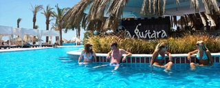 cazare la Sindbad Beach Club