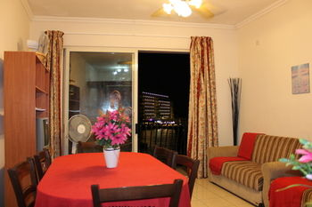 cazare la Spinola Bay Apartment