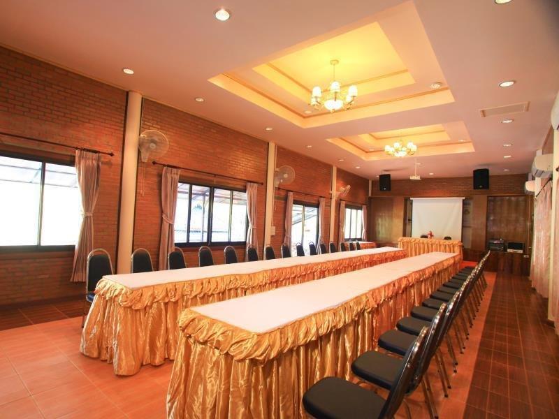 cazare la Banphu Montalang Resort