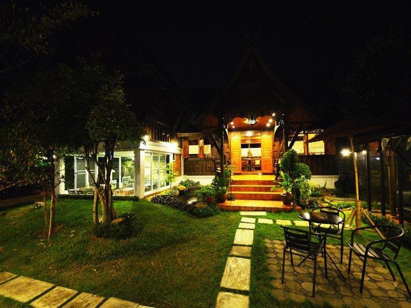 cazare la Baan Kham Wan Hotel