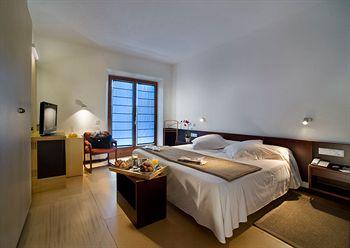 cazare la Hotel Empordà