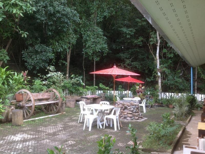 cazare la Bann Thong Pan Chang Hotel