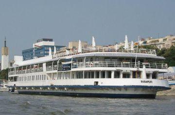 cazare la Boathotel Fortuna