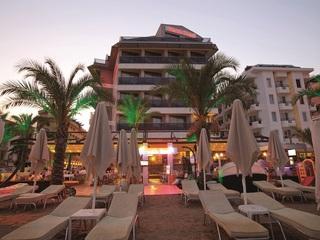 cazare la Malibu Beach Hotel