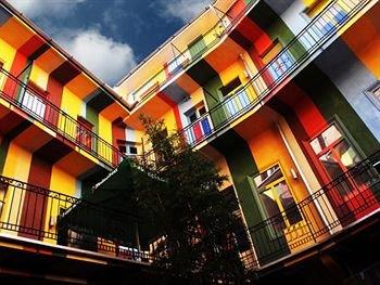 cazare la Casa De La Musica Hostel