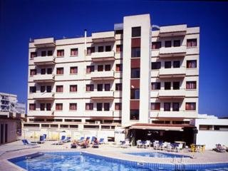 cazare la Flora Hotel Apartments