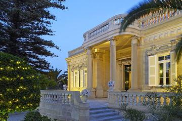 cazare la Corinthia Palace