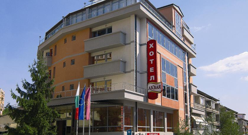 cazare la Hotel Akvaya