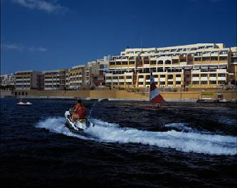 cazare la Hotel Marina At The Corinthia Beach Resort