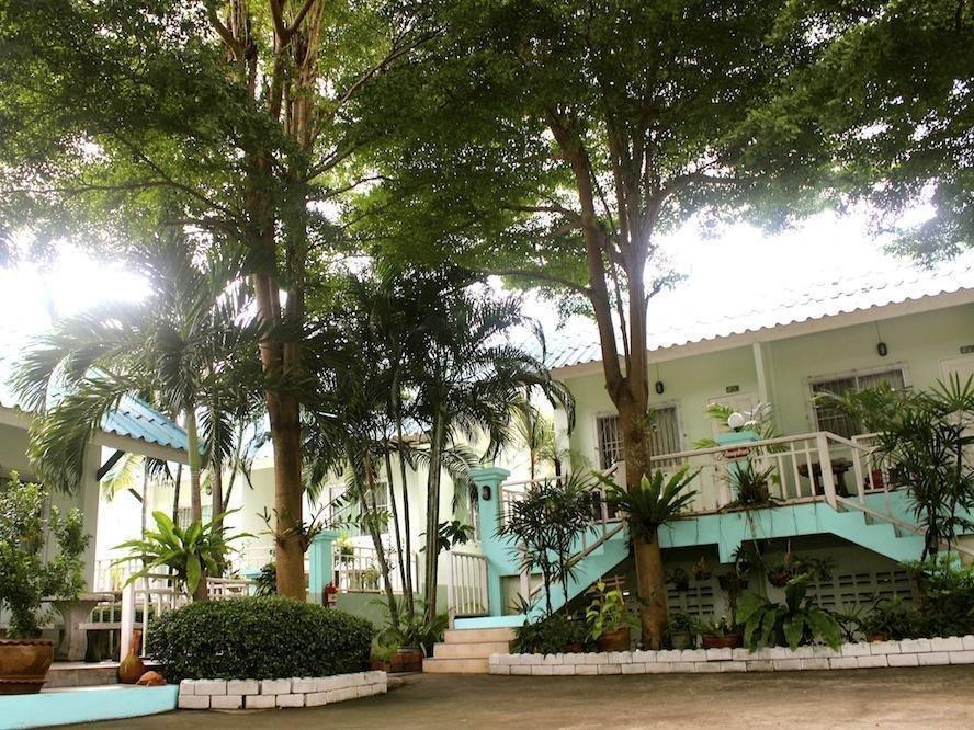 cazare la Baan Chom Dow Hotel