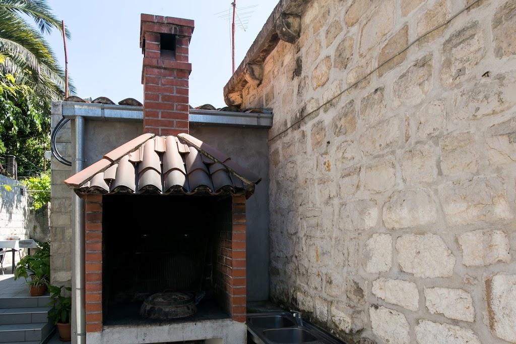 cazare la 650375) Apartamento En Dubrovnik Con Aire Acondicionado, Terraza, Lavadora