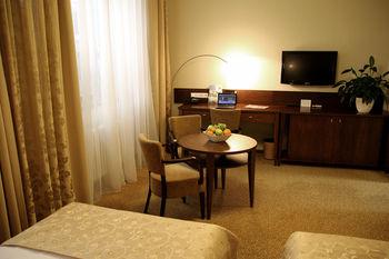 cazare la Hotel Baltaci Atrium
