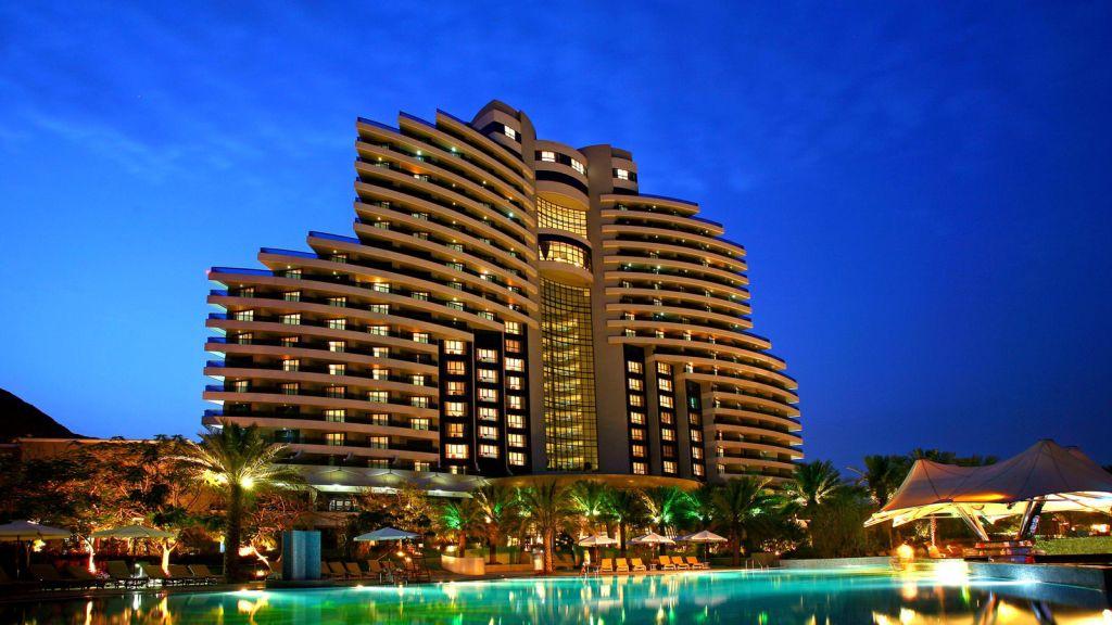 cazare la Hotel Le Meridien Al Aqah Beach Resort