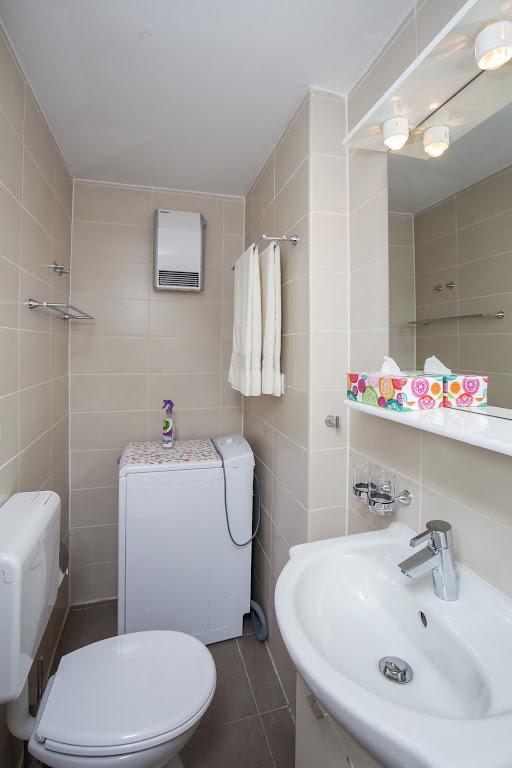 cazare la 650555) Apartamento A 2 M Del Centro De Dubrovnik Con Aire Acondicionado, Terraza, Lavadora
