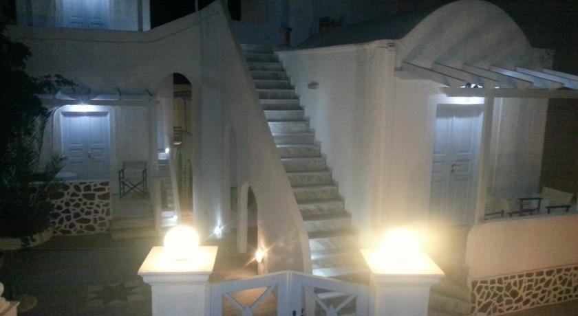 cazare la Angels In Fira