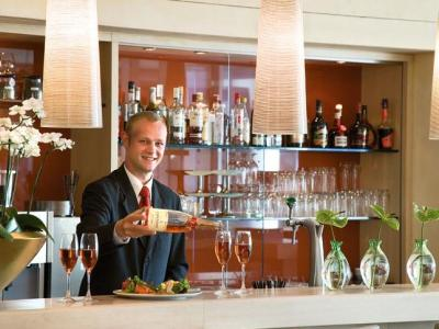 cazare la Steigenberger Airport Hotel