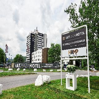 cazare la Iat Plaza Hotel