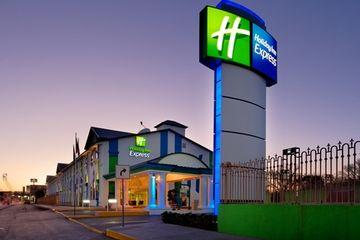 cazare la Holiday Inn Express