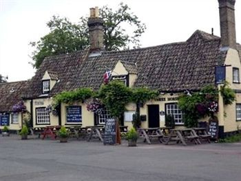 cazare la Three Horseshoes Inn